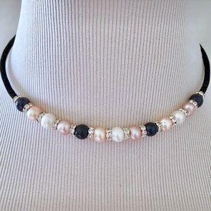 Jewelry - ✂️Pastel Faux Pearl Adjustable Choker